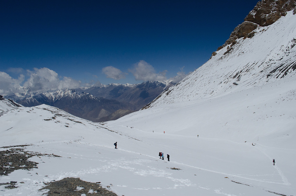 Going down from Thorung La