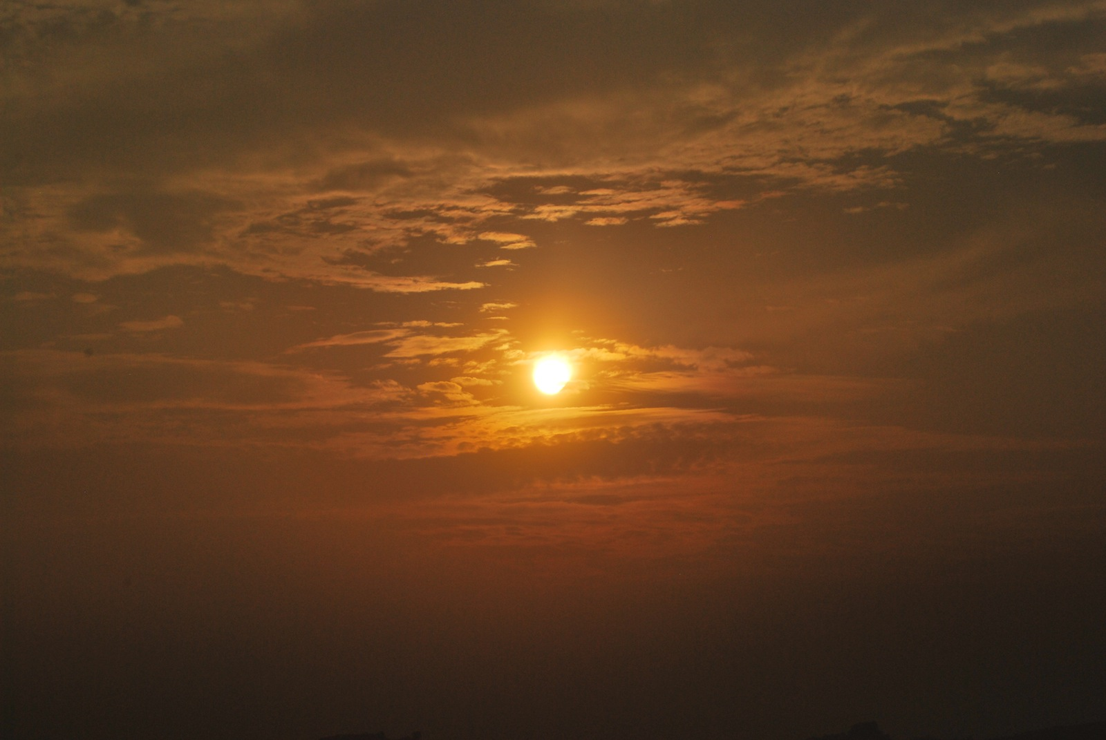 Sun at 4 pm - from Hemakuta Hills