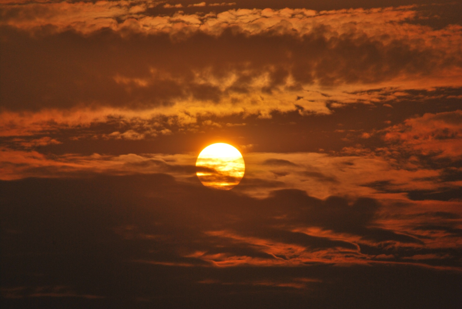 Sun at 5 pm - from Hemakuta Hills