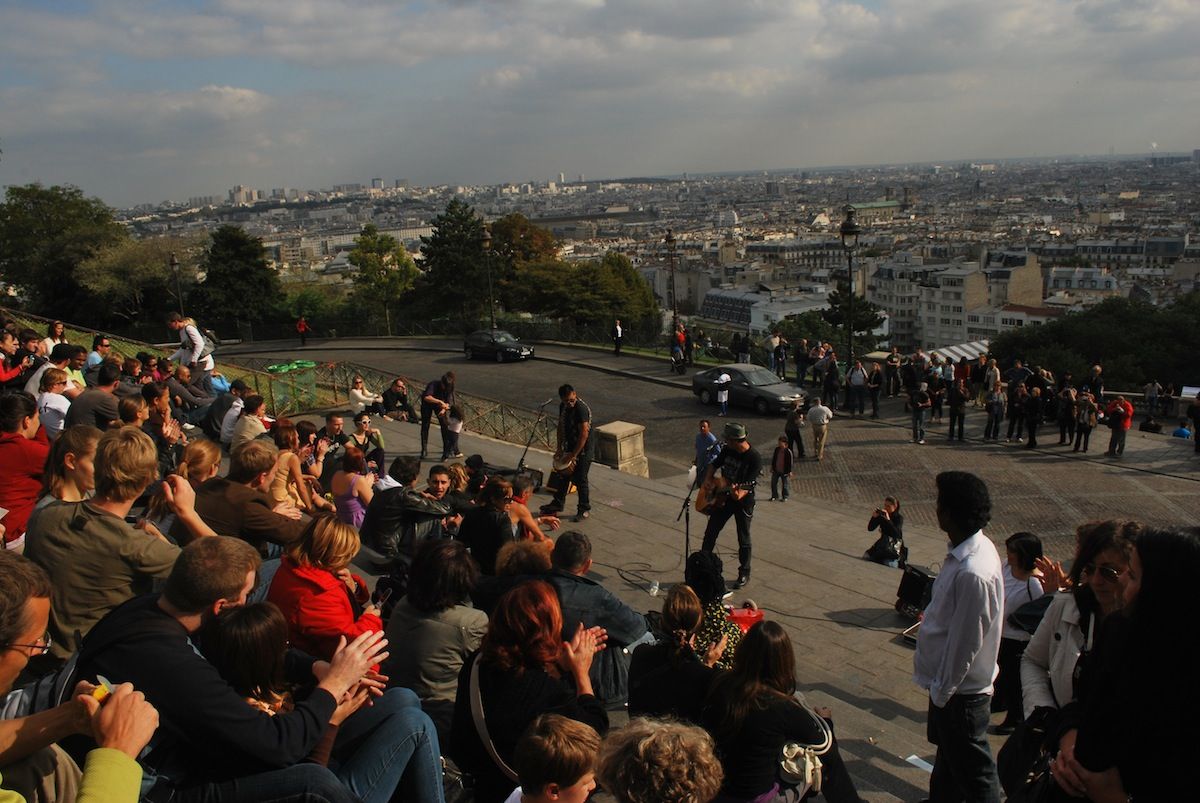Playing to the eager crowd at Montmartre
