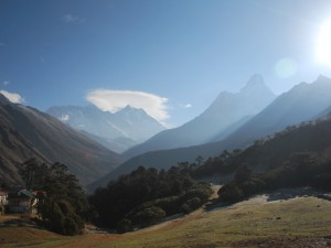Towards Dingboche