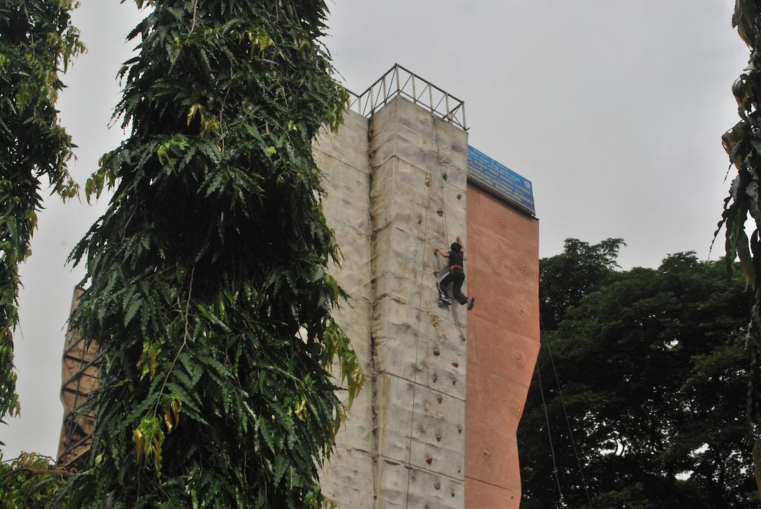 Wall Climbing at Kanteerava Stadium