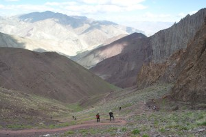 Steep climb to Stok La